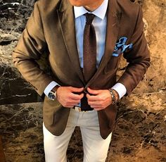 suitandtiefixation: A good example of excellent brown combination and attention to detail