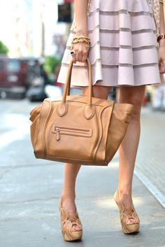 J'aime la jupe et le sac...