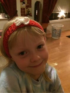 Har hekla disse nydelige hårbåndene som jentene mine skal få pynte seg med i jula.De er veldig en...