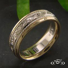ANTIQUE 2-TONE ENGRAVED BAND