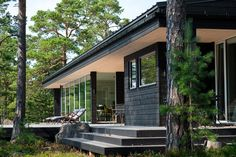 Leisure accommodation in Porvoo Cabins In The Woods, House In The Woods, Dark Grey Houses, Guest House Shed, Modern Barn House, Summer Cabins, Weekend House, Glass House, House Colors
