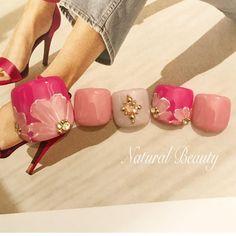 Chic Nail Designs, Pedicure Designs, Simple Nail Art Designs, Toe Nail Designs, Cute Toe Nails, Fancy Nails, Toe Nail Art, Feet Nail Design, Pretty Pedicures