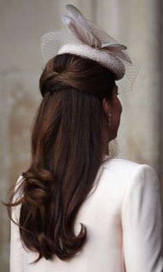 Kate Middleton exibe gravidez na missa dos 60 anos de coroação da rainha - Fotos - UOL Celebridades