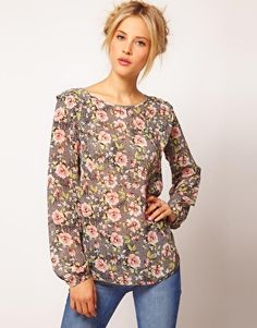 My love for floral - This blouse is too cute