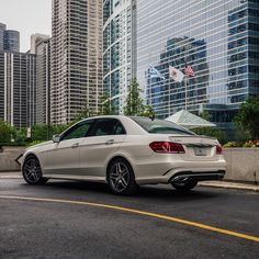 The architecture of this city is truly magnificent. Everywhere you look there is another amazing building.  #MBPhotoPass @mattmagnino    #mbphotocredit #mbsummer #summer #mercedes #benz #instacar #luxury #germancars #carphotography #carsofinstagram #IL #Illinois #Chicago #mercedesbenz #e #eclass #e550 #sedan #designo