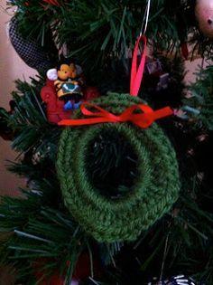 Stitch. Bake. Run.: Crochet wreath tutorial ~ Uses plastic ring from milk jug!
