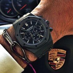 Audemars Piguet Automatic #beautifulmenswatches #audemarspiguet #black #fashion #luxury #black #porsche #luxurycars #bracelets #exclusive #automatic #watch #dailywatch #watchoftheday #watchporn #wristporn 📷www.watchshirt.tictail.com