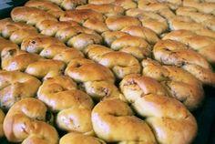 mucenici semicopti mucenici moldovenesti in tava Bagel, Cake Decorating, Bread, Food, Brot, Essen, Baking, Meals, Breads