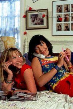Lizzie McGuire Reunion: Hilary Duff Snaps Photo With Former Co-Stars Polly Pocket, Hilary Duff, Lizzie Mcguire Cast, Miranda Lizzie Mcguire, Gordo Lizzie Mcguire, Series Da Disney, Old Disney Channel, Latest Celebrity Gossip, Barbie