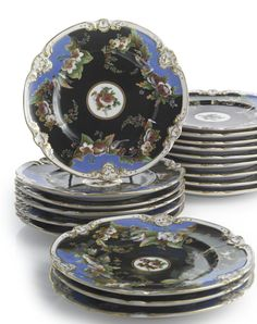 A Set of Eighteen Russian Porcelain Dinner Plates, Popov Porcelain Manufactory, Gorbunovo, 1830-1850's.
