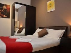 Refurbished self catering Modern spacious Double Studio Apartment in London from £ 490 per week