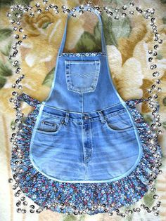 Cotton apron trim is different! cotton apron trim is different! - Cotton apron trim is different! It … cotton apron trim is different! Jean Apron, Cute Aprons, Denim Ideas, Sewing Aprons, Denim Aprons, Denim Crafts, Aprons Vintage, Vintage Apron Pattern, Diy Clothes