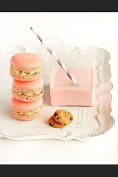 Strawberry Milk Macarons with Cookie Dough Buttercream . Strawberry Milk Macarons with Cookie Dough Buttercream. Strawberry M. Strawberry Macaroons, Strawberry Milk, Pink Macaroons, Macaroon Cookies, Strawberry Cookies, Cake Pops, Just Desserts, Delicious Desserts, Crack Crackers