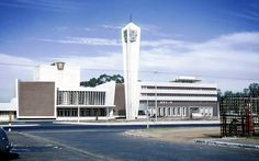 Brand new Bellville Civic Centre 1959 - Cape Town photos / South Africa Old Pictures, Old Photos, Cape Town South Africa, Town Hall, Good Old, Centre, Tourism, To Go, Brand New