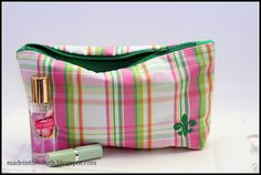 Preppy Pink & Kelly Green Lg. Zipper Bag     $20.00