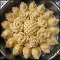 Bread Recipes, Baking Recipes, Dessert Recipes, Just Pies, Bread Shaping, Bread Art, Bread Appetizers, Bulgarian Recipes, Savoury Baking