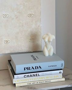 Aesthetic Bedroom, Blue Aesthetic, Aesthetic Statue, Aesthetic Women, My New Room, My Room, Home And Deco, Aesthetic Pictures, Cheap Home Decor