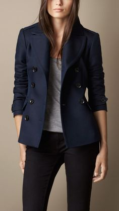 Burberry Brit Double Breasted Pea Coat With Pleat Detail Size 6 Cute Fall Outfits, Warm Outfits, Chic Outfits, Fashion Outfits, Womens Fashion, Fashion Trends, Look Fashion, Winter Fashion, Navy Pea Coat