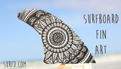 If you want to give your surfboard a unique touch then a Posca pen can transform plain old fins into psychedelic tribal masterpieces in no time. Deco Surf, Custom Surfboards, Surfing Tips, Surfboard Fins, Summer Surf, Summer Time, Skate Surf, Surf Art, Surf Style