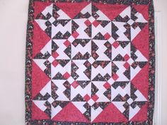 Propeller quilt pattern and tutorial from Ludlow Quilt and Sew