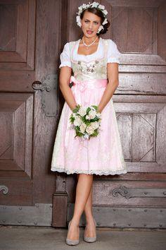 #AlpenHerz Couture und #Hochzeitsdirndl #Dirndl Sophia