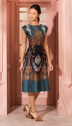 Swans Style is the top online fashion store for women. Shop sexy club dresses, jeans, shoes, bodysuits, skirts and more. Beautiful Summer Dresses, Pretty Dresses, Stylish Dresses, Elegant Dresses, Modest Fashion, Fashion Dresses, Dress Skirt, Bodycon Dress, Batik Dress