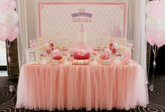 Bling-Princess-First-Birthday-Party-dessert-table-pink.jpg (2048×1392)