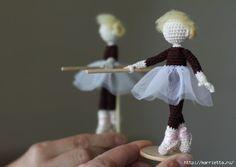 Миниатюрные игрушки крючком