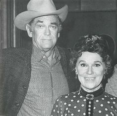 John MacIntyre and Jeanette Nolan - married in real life. Both great character actors. Hollywood Actor, Golden Age Of Hollywood, Hollywood Celebrities, Hollywood Stars, Classic Hollywood, Old Hollywood, Western Film, Western Movies, Jeanette Nolan