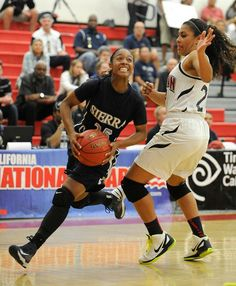 Sierra Canyon's Jorden Sneed drives around Sierra Smith of Horizon Christian in the Div. V Regional finals