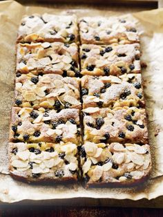 This snack recipe marries beautiful blackberries and almonds in a scrumptious bar.