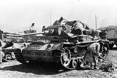 This captured Panzer III Ausf. L from Panzer-Regiment 8, 15. Pz.-Div. probably fought at the battle of Alam el Halfa.