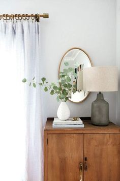 Studio Table Lamp - Home Design Cute Dorm Rooms, Cool Rooms, White Home Decor, Diy Home Decor, Tv Decor, Wall Decor, Studio Table, Farmhouse Side Table, Farmhouse Decor
