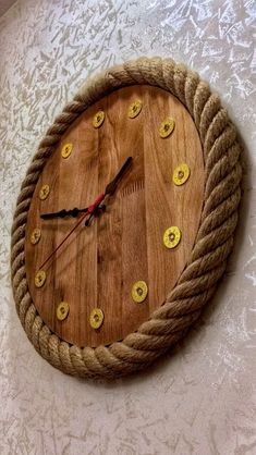 The clock is really an important part for a home. Not only to show the time, but a clock also is a home decoration. That's why we should not put it easy when we choose what clock for our wall… Continue Reading → Diy Clock, Clock Decor, Clock Ideas, Cool Clocks, Unique Wall Clocks, Wooden Clock, Wooden Walls, Mur Diy, Decoration Palette