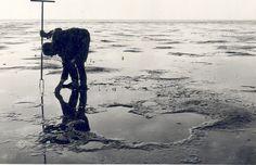 Oostelijk Flevoland: Roggebotsluis. Droogvallende zandgronden van Oostelijk Flevoland nabij Roggebotsluis 1956  Fotocollectie Nieuw Land, DW; Sieben