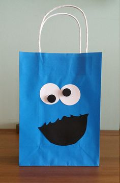 Cute Gifts, Diy Gifts, Decorated Gift Bags, Monster 1st Birthdays, Cookie Monster Party, Elmo Party, Baby Boy Birthday, Gift Packaging, Preschool Crafts