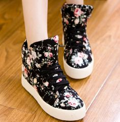Attractive Fabric Printing Multi-color Round Closed Toe Flat Low Heel Boots