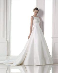 Magami esküvői ruha - La Mariée esküvői ruhaszalon - Pronovias 2015