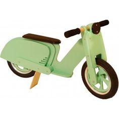 Bicicleta de madera para niños sin pedales verde en El País de los Juguetes