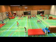 parcours springen gymles - YouTube Physical Education, Physics, Basketball Court, Fitness, Youtube, Kids, Physical Education Activities, Gymnastics, Toddlers
