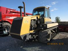 Caterpillar Challenger 65.In late 2015 Caseih has been putting much propaganda on their track system.What they are totalling ignoring is that this Caterpillar Challenger was out 10 years-a full decade before any red track tractor-1986.2 or 4 tracks, what difference does it make?????There are it least 16 applications where 2 tracks are exclusiviely used & 4 tracks are never seen.Like tanks ,bulldozers,cranes,hydraulic excavators.This same propaganda that Racine is wrong