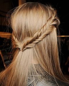 Pictures : How to Style Little Girls' Hair - Cute Long Hairstyles for School - Simple School Hairstyle