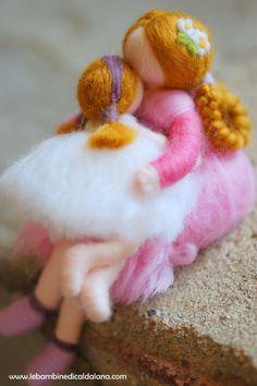 Coccole di mamma, in lana fiaba, ispirazione Waldorf