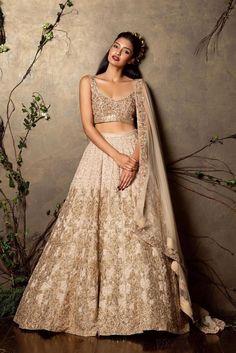 46 New Ideas For Dress Wedding Indian Lehenga Choli Wedding Outfits For Groom, Indian Wedding Outfits, Bridal Outfits, Indian Outfits, Indian Clothes, Wedding Dresses, Indian Reception Outfit, Groomsmen Outfits, Engagement Dresses