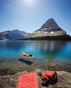 Wow - Beautiful, a VERY transparent lake in Montana - could be disorienting!