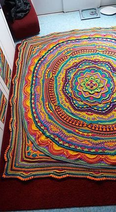 Transcendent Crochet a Solid Granny Square Ideas. Inconceivable Crochet a Solid Granny Square Ideas. Motif Mandala Crochet, Mandala Blanket, Crochet Motifs, Crochet Squares, Knit Or Crochet, Crochet Crafts, Crochet Stitches, Crochet Projects, Free Crochet
