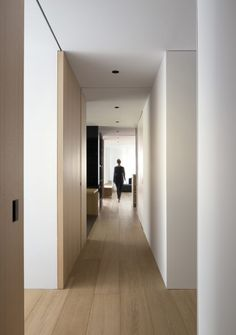 Modern Home Corridor Design That Inspire You 41 Modern Home Corridor Design Tha. Modern Home Corridor Design That Inspire You 41 Modern Home Corridor Design That Inspire You 41 # Apartment Door, Apartment Interior, Apartment Design, Minimalist Interior, Modern Interior, Interior Architecture, Flur Design, Wood Design, Roof Styles