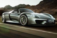 Porsche, le concurrent mythique passé de prédateur à proiePorsche, l'autre marque haut de gamme la plus vendue du constructeur, a livré 114.000 véhicules, un chiffre en augmentation de 29,8% par rapport au premier semestre 2014. Le producteur de la célèbre Cayenne, qui s'était lancé à l'assaut du capital de Volkswagen dès 2005, à grand renfort d'endettement, a été victime de la crise financière de 2008-2009. C'est finalement le géant de Wolfsburg qui rachètera le constructeur pour 8…