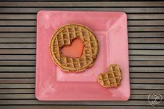 #waffles #lovefood #heartfood #heart #corazones #brunch #dessert #postre #desayuno