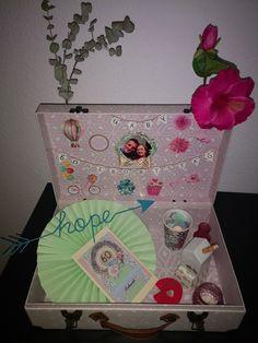 #Fahrrad #Blumen #Geburtstag #Geschenk #koffer Suitcase, Presents, Handmade, Gifts, Flower Birthday, Bicycle, Hand Made, Favors, Favors